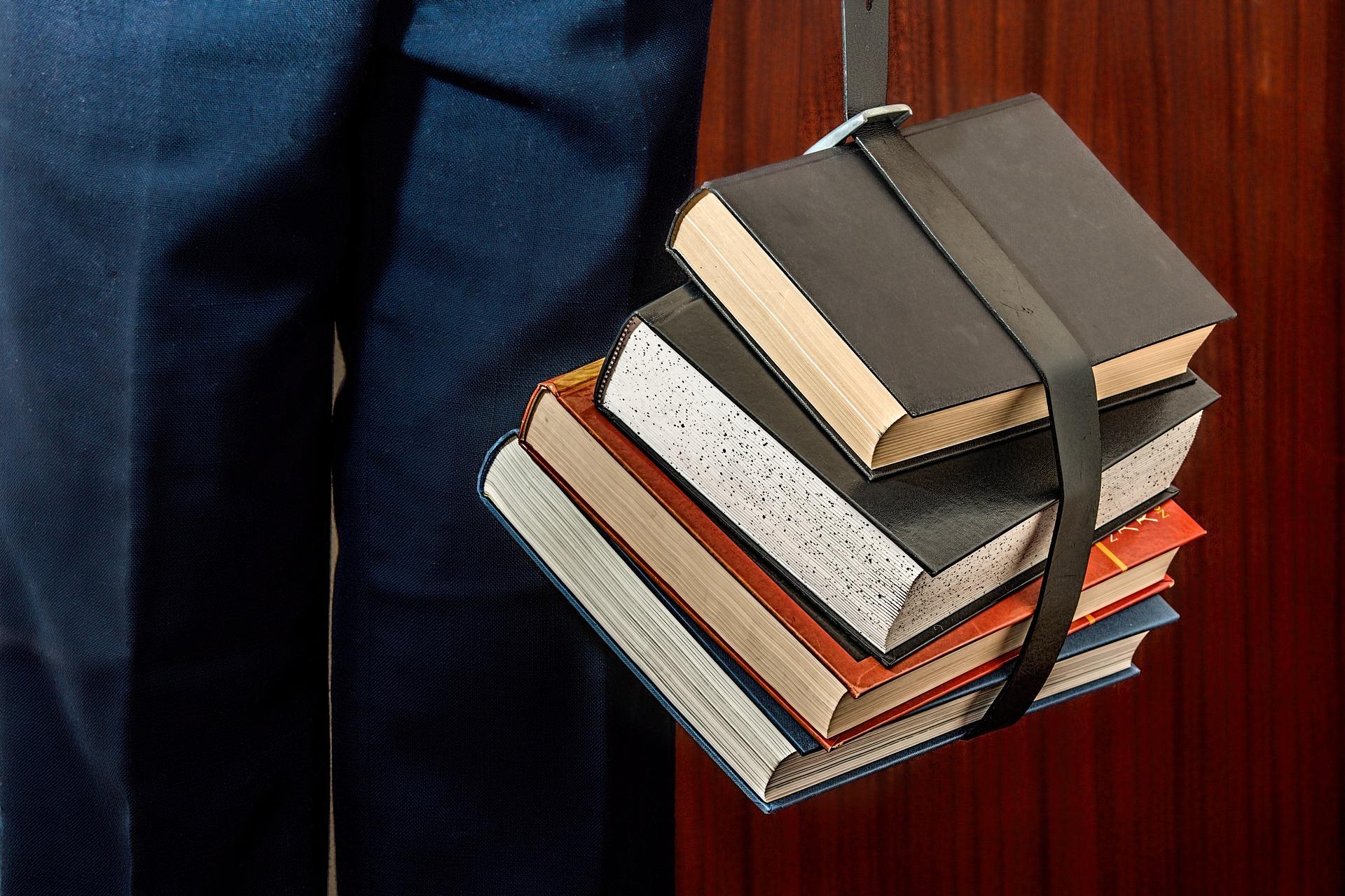 """Bandi per borse di studio e """"buoni libro"""""""